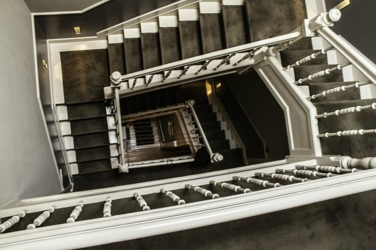 Dashwood Bed and Breakfast Amsterdam: Staircase