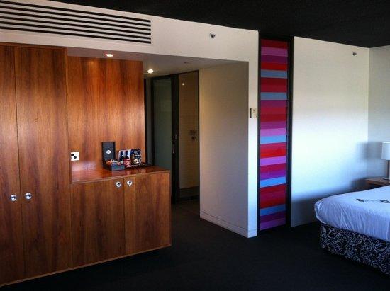 Jasper Hotel: Hotel room