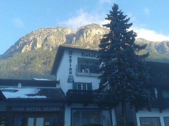 Hotel Regina delle Dolomiti: Hotel is in nice place but far from skiresort