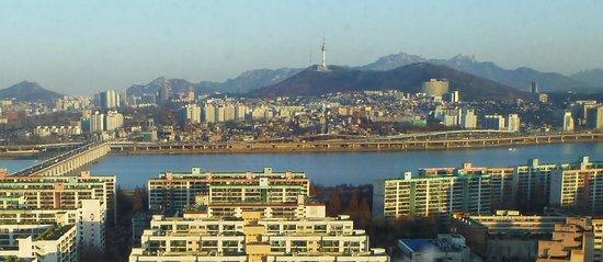 JW Marriott Hotel Seoul : JW Marriott view north, 25th floor