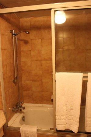 Meliá Santiago de Cuba: Bathroom