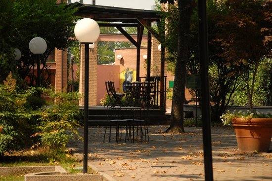 Ca Bianca Hotel Corte del Naviglio: Внутренний двор