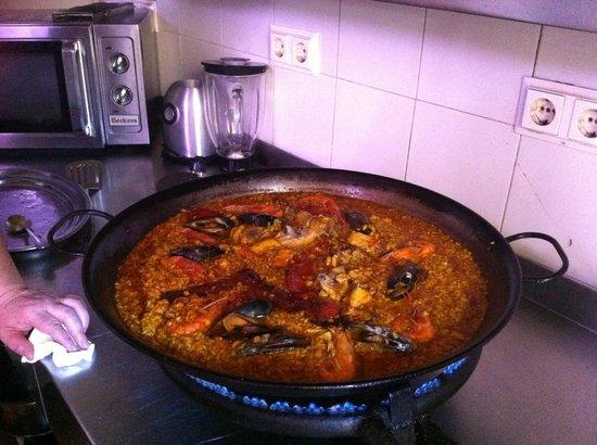 La Taberna Iberica: Curso de Paella!