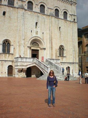 Palazzo dei Consoli Museo Civico: Palazzo dei Consoli, scorcio