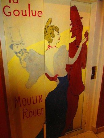 Hôtel des Arts - Montmartre: fascino in ascensore