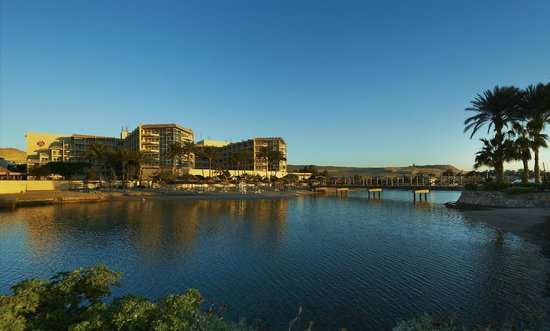 The Hurghada Marriott Beach Resort offers a family-friendly , couples and you travelers accommod