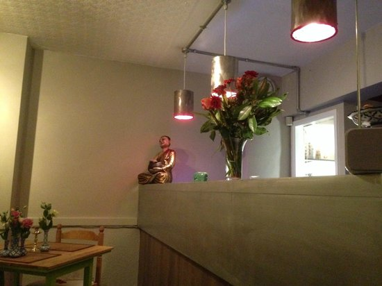 Chang Thai Bar and Restaurant: New Zinc and wood fronted bar with paint pot lightshades