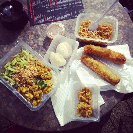 Palais Banh Bao : Salade Ga boun, Perle coco soja, Nouilles poulet, nems