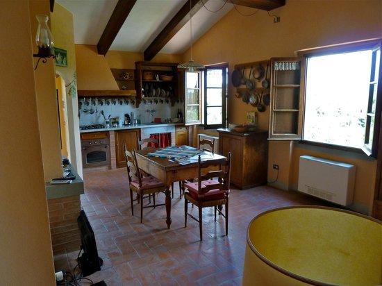 Agriturismo Il Pintello: Interior of the sitting room/kitchen