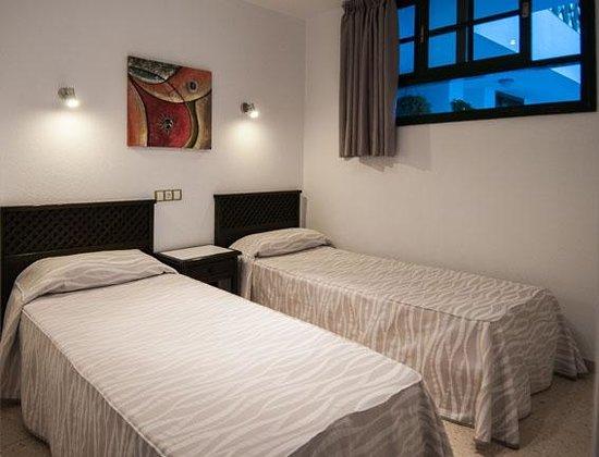 Apartamentos Los Marinos: Dormitorio