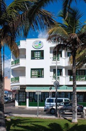 Apartamentos Los Marinos: Entorno