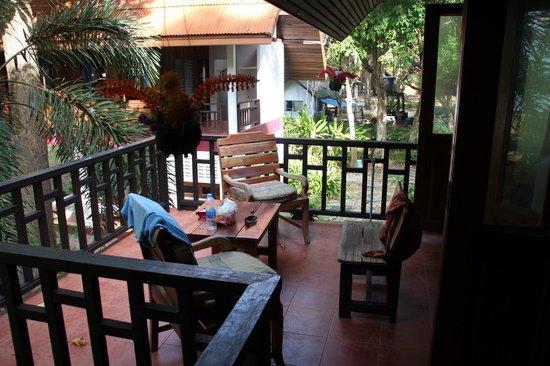 Kohjum Joy Bungalow: Balcony