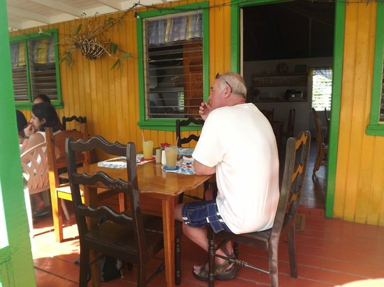Antigua V.I.P. Tours: local cafe for lunch