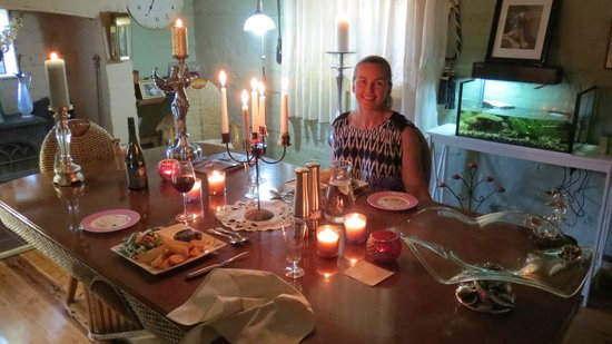 Must Love Dogs B&B & self contained cottage: Magical dinner at Must Love Dogs