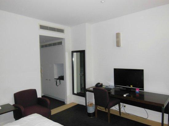 Hotel Causeway: Room