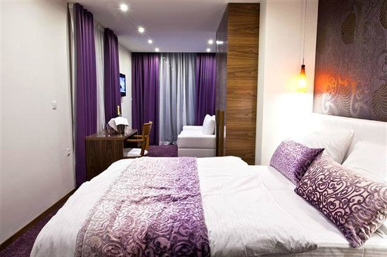"""Hotel San Antonio: Classic dbl room situated in hotels' annex building named """"Gala"""""""