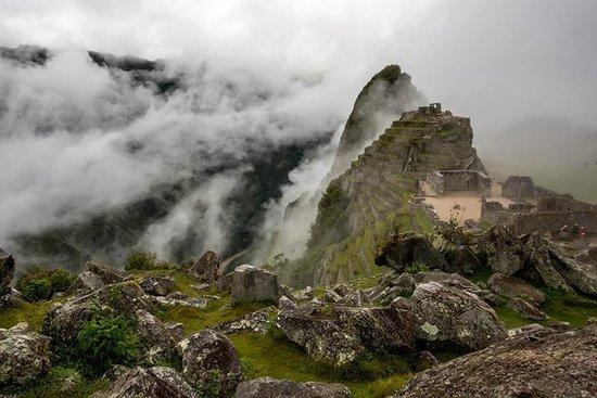 Cusco Native Tours & Treks: A foggy morning