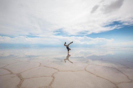 Salar de Uyuni: self portrait on the salt flat