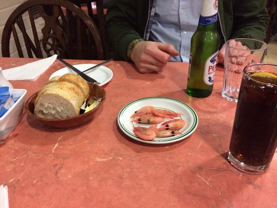 Masters Superfish: Complimentary prawns and bread & butter.