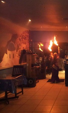 Zeus Greek Cafe : BELLY DANCER - FIRE - DECOR