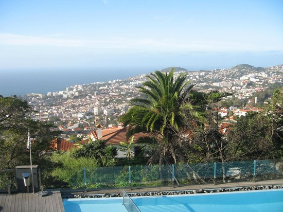 Quinta Mirabela: view over Funchal