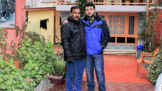 Hotel JH Bazaz (Happy Cottage): With Mr Hussain 1
