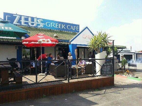 Zeus Greek Cafe: SUNDOWNERS - DECK