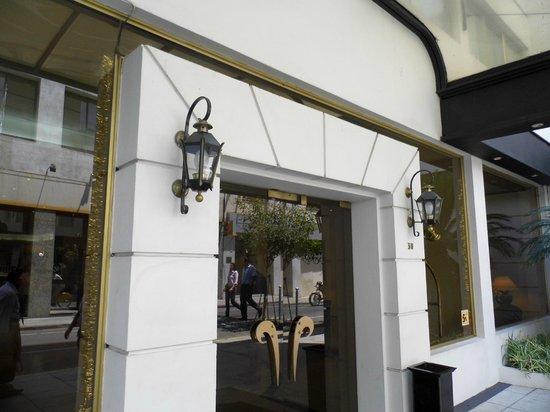Centuria Hotel Buenos Aires: Entrada