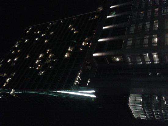 Eastin Grand Hotel Sathorn: vista notturna