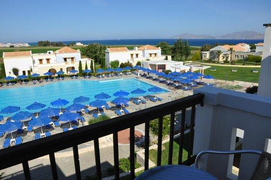 Neptune Hotels - Resort, Convention Centre & Spa: Vista dal terrazzino