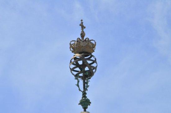 Praca Marques de Pombal: Detalle del Orbe que remata el obelisco