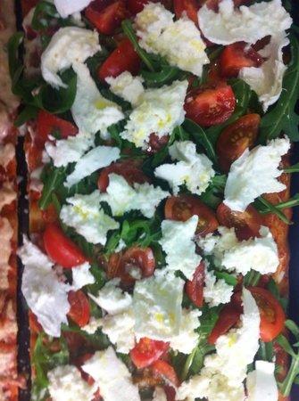 Pizza Europa Rustica: mozzarella e pomodoro