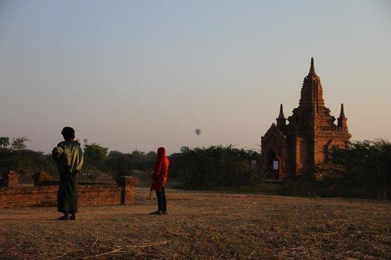Kumudara Hotel Bagan : 3 Min walk from hotel
