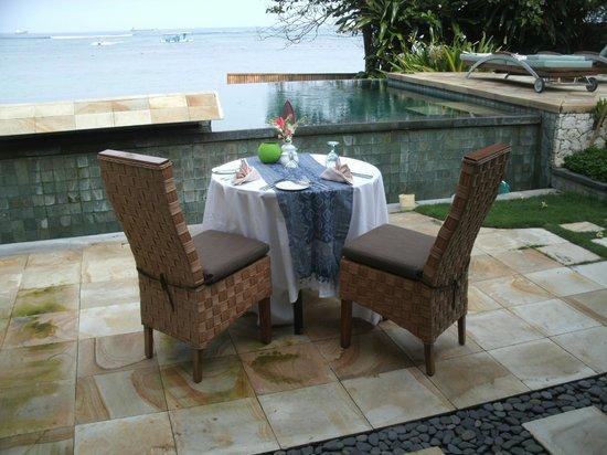 Novotel Bali Benoa: ヴィラ ディナー