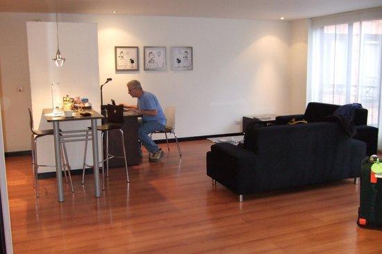 Celebrities Suites: living room