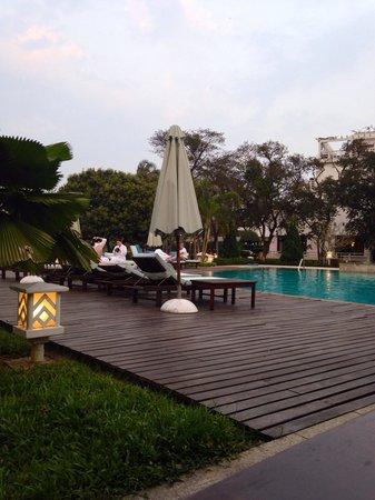 La Residence Hue Hotel & Spa - MGallery by Sofitel : Piscina