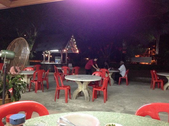 Weng Yin Seafood Village: Large dining area