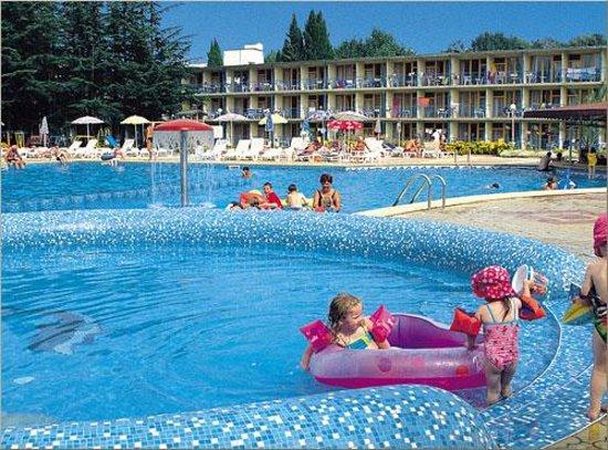 Park-Hotel Continental: Piscina