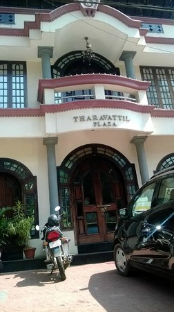 Tharavadu: Entrance of Tharavattil Restaurant