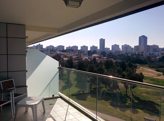 West Boutique Hotel Ashdod: View from porch of park