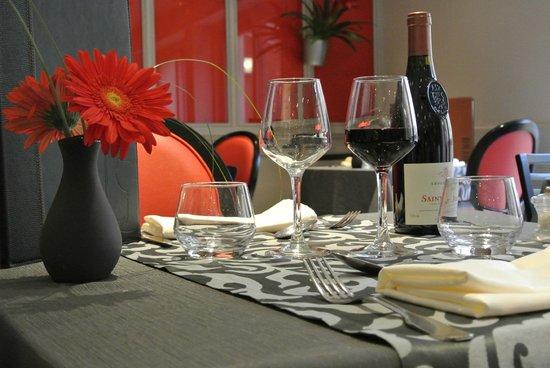 Hotel Azalees: Restaurant 2