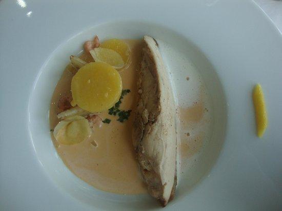 Maison Decoret : suprême de poulette de Bresse sauce écrevisse