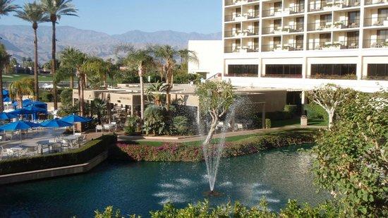 JW Marriott Desert Springs Resort & Spa : Oasis Bar & Grill