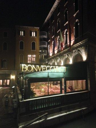 Hotel Bonvecchiati : Veranda dell'hotel