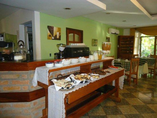 Cabanas Del Lenador Hotel: desayuno americano  muy rico sobre todo el pan casero!!