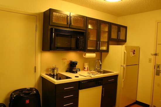 Candlewood Suites Dallas Park Central: Kitchenette