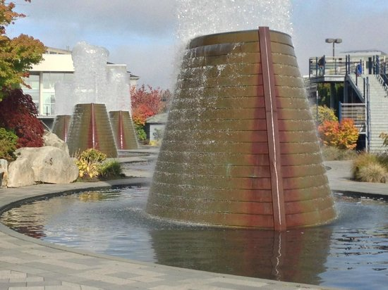 Harborside Fountain Park : Several of the five copper-plated fountains shaped like submarine sails