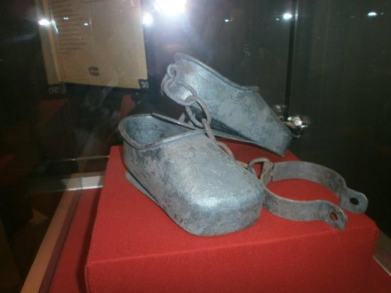 Foltermuseum: To keep you on your toes! with spikes in the heel you had to stand on tip toe!