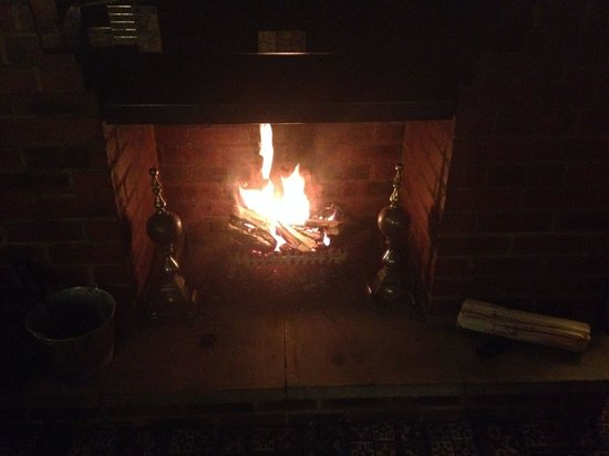 Wheatsheaf Inn : Real open fire