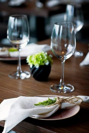 Cau Go Vietnamese Cuisine Restaurant: Table setting